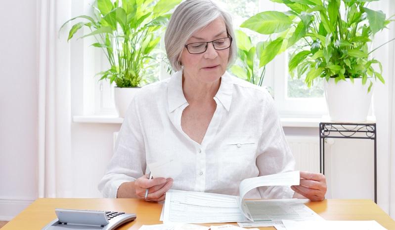 Wer Beiträge für eine fondsgebundene Lebensversicherung zahlt, kann diese nicht in der Einkommenssteuererklärung als Sonderaufwendungen geltend machen. (#02)