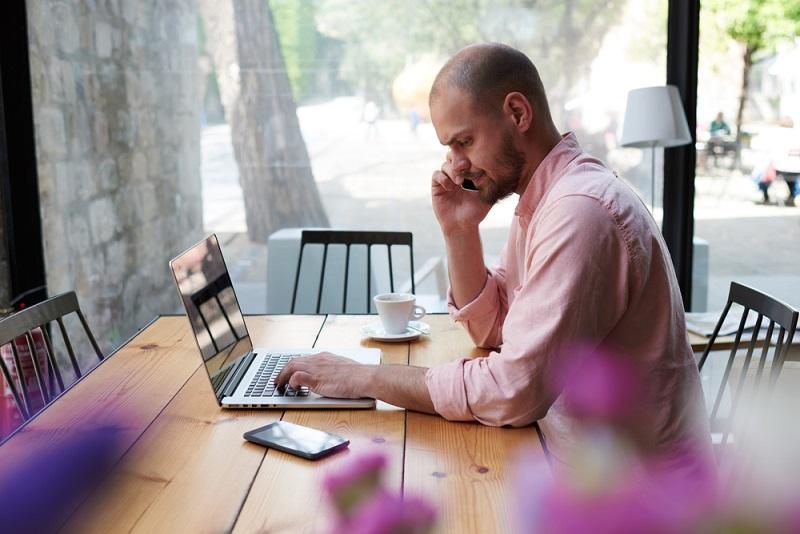 Egal, für welchen Weg sich man sich als Versicherter entscheidet, bei einer so schwerwiegenden Maßnahme ist es sinnvoll und absolut grundlegend, sich einen Überblick über die persönliche finanzielle Situation zu machen. Dabei können eventuell auch Online-Rechner helfen.(#01)