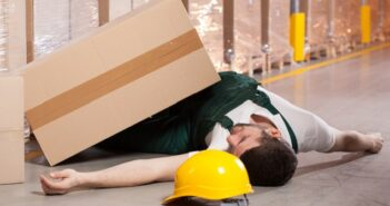Zahlt die Lebensversicherung auch bei einem Arbeitsunfall?