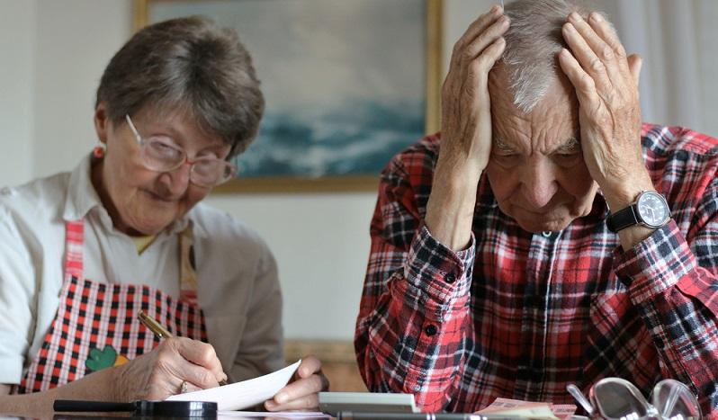 Die geförderten Altersvorsorgemöglichkeiten und private Rentenversicherungen haben jedoch mit ähnlichen Problemen wie die Lebensversicherungen zu kämpfen. Auch diese Formen der Vermögensbildung hängen vom Kapitalmarkt ab und deshalb sinken in Zeiten niedriger Zinsen die Renditen. (#02)