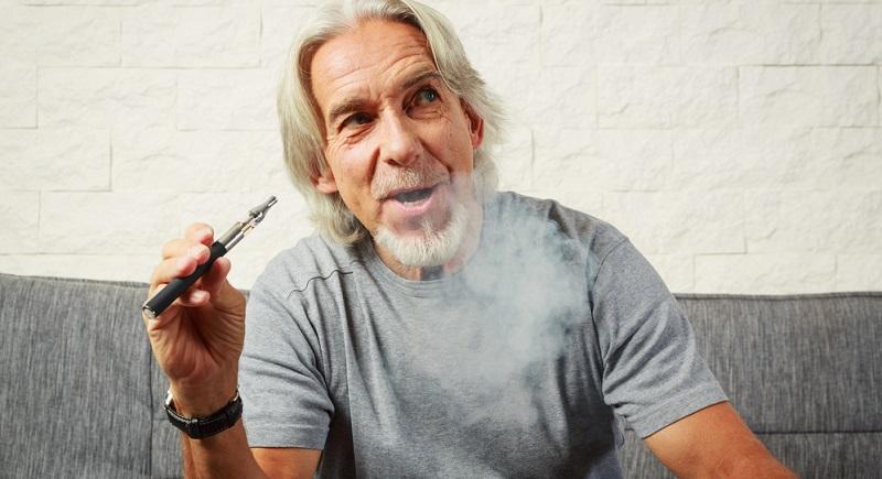 Es gibt Studien, die besagen, dass es weniger schädlich ist, tabakhaltige Liquids in E-Zigaretten zu konsumieren.