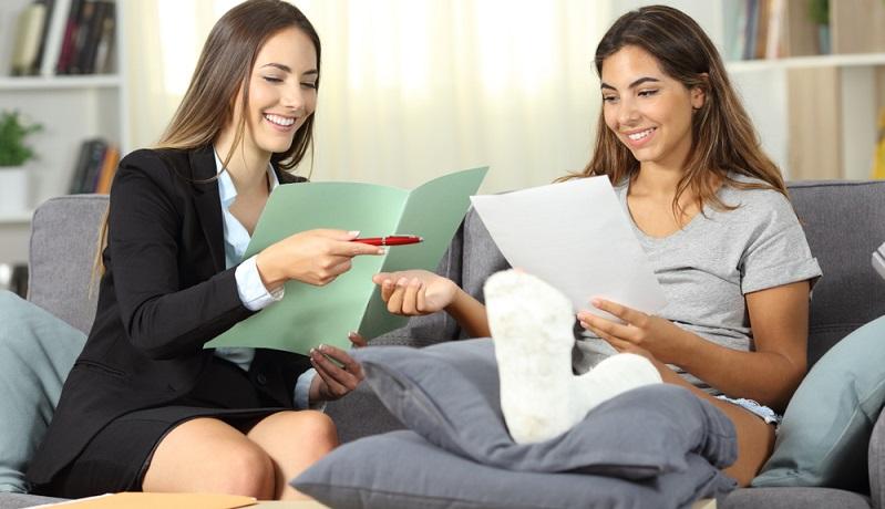 Der Vorteil einer Restschuldversicherung liegt auf der Hand: Sie tritt dann in Leistung, wenn der Kreditnehmer selbst nicht zahlungsfähig ist, und kann somit vor Überschuldung oder gar Pfändungen schützen. (Foto: Shutterstock-Antonio Guillem )