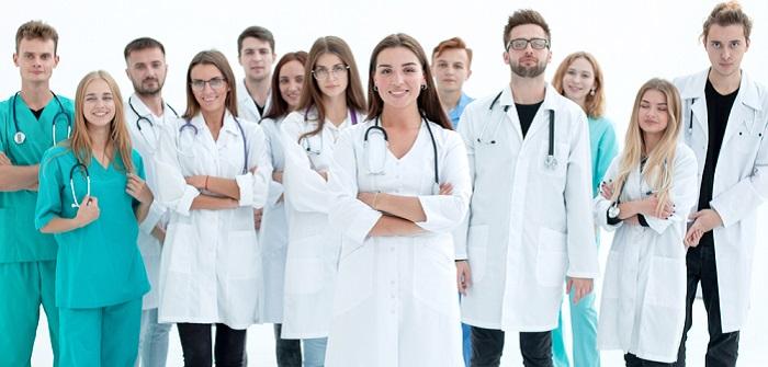 Wer braucht eine Berufshaftpflichtversicherung? (Foto: Shutterstock-ASDF_MEDIA)